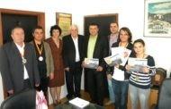 Наградените иноватори на Макинова 2013 од Малешевијата на прием при градоначалникот Поповски