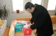 Градоначалникот во посета на првороденото бебе во Пехчево