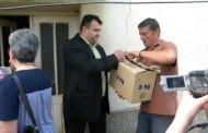 Градоначалникот Поповски во посета на неколку семејства по повод неделата на имунизација