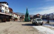Започна новогодишното украсување во централното градско подрачје во Пехчево