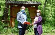 Потпишан договорот за реконструкција на Црнодолски водопад на Туристичката населба Равна река во Пехчево