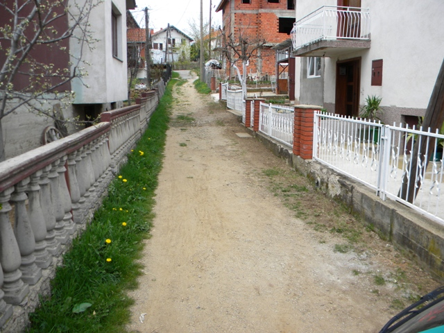 Продолжуваат градежните активности за уредување и асфалтирање на неколку помали улици во Пехчево, што ќе придонесе за урбанизација на овој простор.