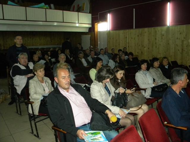 Во склоп на проектот ,, Заеднички истражувања со цел апликативна примена во зачувување на природните ресурси и заштита на животната средина во пограничниот регион меѓу општините Пехчево и Симитли '', финансиран преку ИПА програмата за меѓугранична соработка помеѓу Република Македонија и Бугарија, беше одржанa завршна прес конференција.