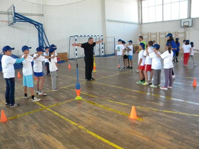 Во рамки на проектот Open Fun Football Schools во спортската сала ,, Јане Сандански '' започна тринаесетитот по ред фудбалски настан, организиран од Опен фан фудбалската школа.