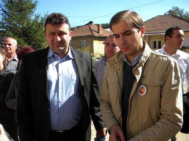 Министерот за труд и социјална политика Диме Спасов работно го посети Пехчево и заедно со градоначалникот Поповски ги слушнаа идеите и барањата на граѓаните, како и предлозите за нови проекти во градот.