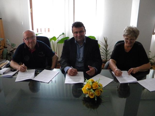 На 28.05.2014 год. (среда) во општина Пехчево во кабинетот на Градоначалникот на општина Пехчево беше организиран свечен прием по повод потпишувањето на Меморандум за соработка со здружението на пензионери од Пехчево и Организацијата на жени Пехчево.