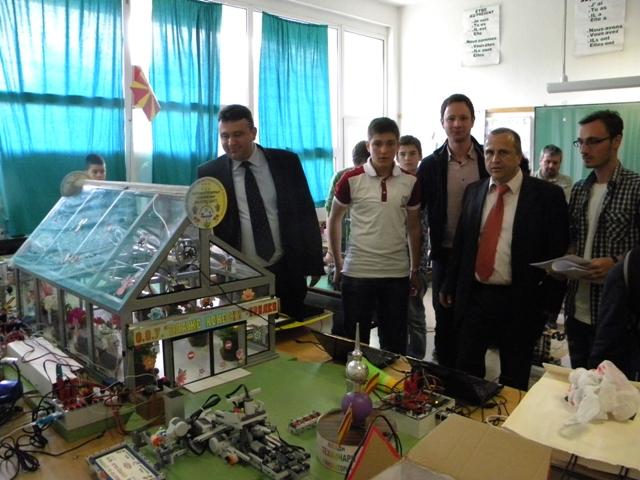 """Денес во ООУ """" Ванчо Китанов """" во Пехчево се одржа 51-от државен натпревар на младите техничари и природници од Република Македонија за учениците од основните училишта."""