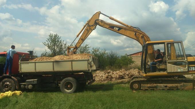 Започна изградбата на комуналната инфраструктура на индустриската зона м.в Чуката - Пехчево, поточно фекална канализација со прочистителна станица за отпадни води.