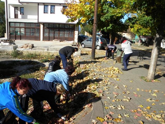 """Акцијата """"Македонија без отпад"""", што веќе трета година се организира на ниво на Македонија и е во соработка со Министерството за животна средина и просторно планирање, оваа сабота беше спроведена и во општина Пехчево."""