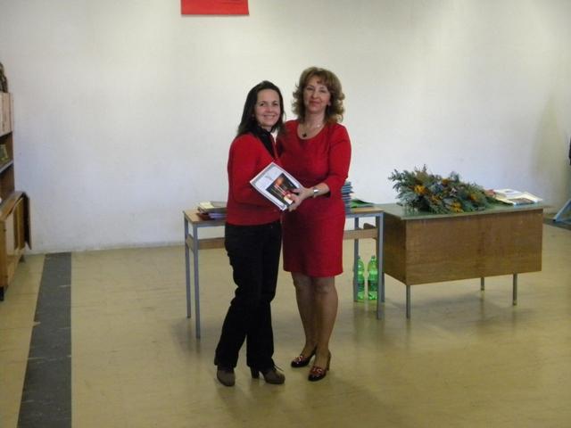 """По повод Нова Година библиотеката""""Кочо Рацин"""" подготви повеќе активности"""