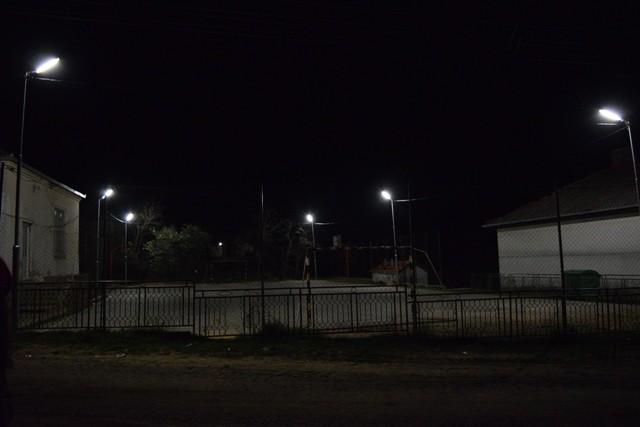Долгогодишниот проблем на младите во село Умлена конечно е решен. Спортското игралиште кое долги години беше без осветление сега е целосно функционално и може да се користи во вечерните часови.