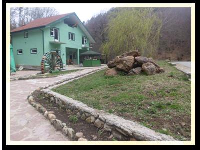 """Во Туристичката населба ,, Рзвна Река """", Мотелот ,, Дивина """" е новото одредиште за посетителите на Пехчево и надалеку познатите Пехчевски водопади."""