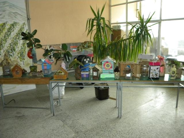 """Денес во Општина Пехчево, беше организиран завршен настан како дел од Кампањата за заштита на природата и биодиверзитетот, која е дел од едукативниот проект ,, Патеката на Петко и шумските жители - пехчевска авантура """" кој во изминатиот период се спроведување во ООУ,, Ванчо Китанов """" и детската градинка """" 7 Септември """"."""