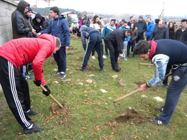 """Пошумувањето е традиција која ги мобилизира граѓаните и ја подига свеста кај луѓето за природата. И оваа година Пехчево се приклучува кон акцијата """"Ден на дрвото- засади ја својата иднина""""."""