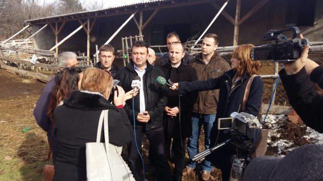 Како што најави заменик-министерот за земјоделство, шумарство и водостопанство Ванчо Костадиновски, огласот веќе се подготвува, првенствено ќе биде наменет за оние што поседуваат стока, а ќе опфати околу 1.000 хектари.