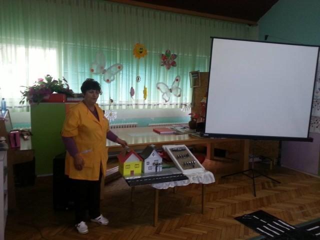 """Во општинската детска установа """"7 Септември"""" - Пехчево вчера беше промовиран проектот """" Поставување на сончев колектор и болјер на котелот на пелети за затоплување на водата""""."""