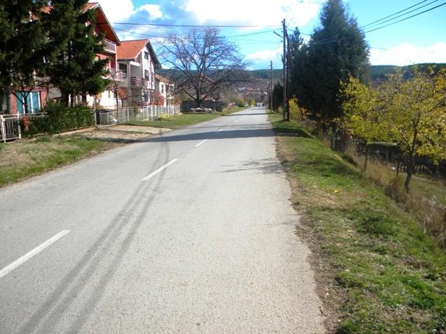 """Општина Пехчево денес започна со изградба на тротоар на улицата """"Јулија Веселинска"""" или поранешна """"Истра""""."""