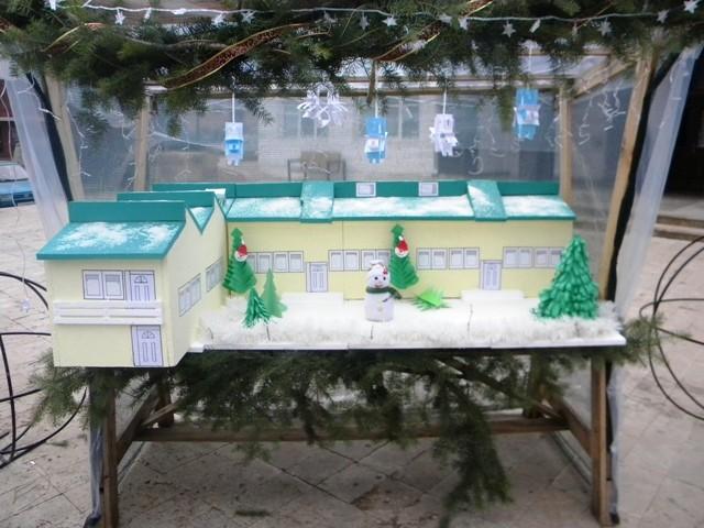 Општина Пехчево и годинава, традиционално, го реализира Прoект за украсување и декорирање по повод новогодишните и божикните празници, чија што главна цел е да понуди свечени и естетски решенија за плоштадот и централното градско подрачје.
