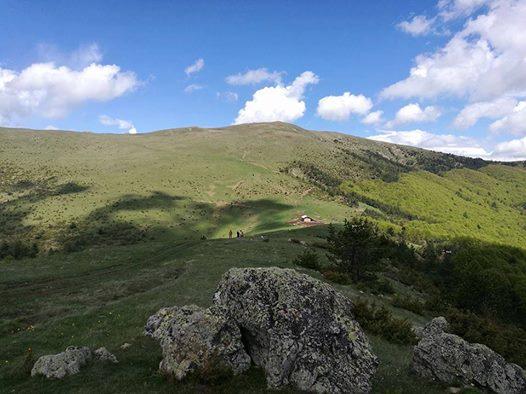 """Планинарите од планинарското друштво """"Кадиица"""" од Пехчево во соработка со Општина Пехчево и приватниот туристички сектор работат на популаризација на планинарскиот туризам."""
