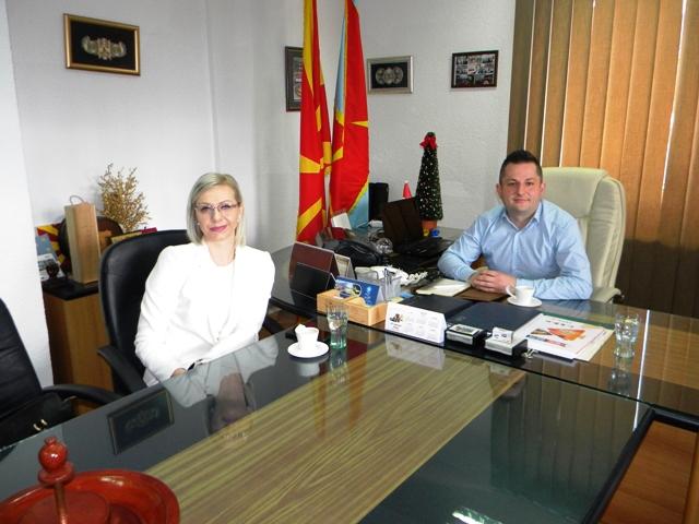 Регионалниот координатор на југоисточниот регион од Ресурсниот центар на родители на деца со посебни потреби од Скопје во посета на Пехчево