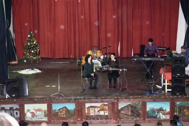 Новогодишен концерт2